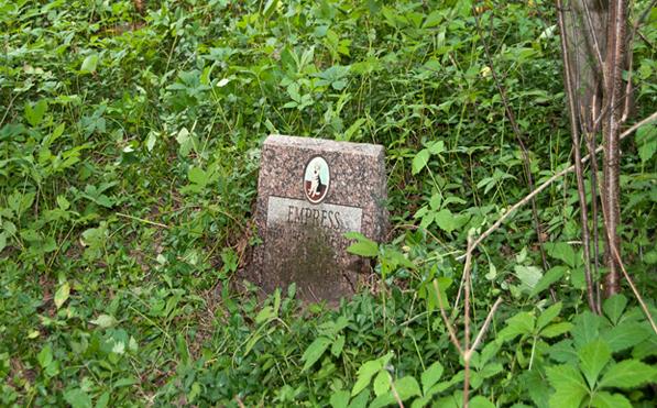 01b abandoned monument